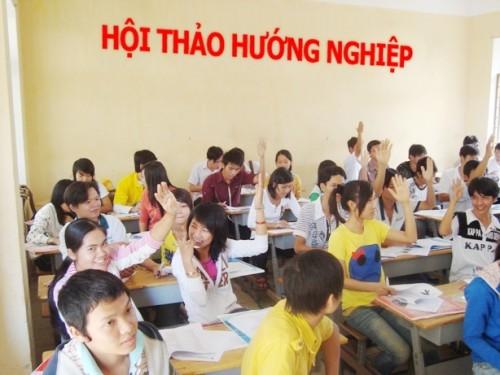 'Học sinh Việt Nam đang phải đứng ở ngã 10 đường' - ảnh 2
