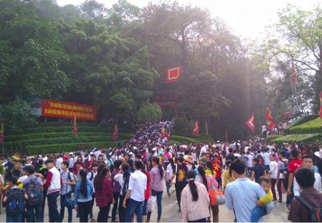Chưa vào Hội, Đền Hùng đã đón hơn 1 triệu du khách - ảnh 1