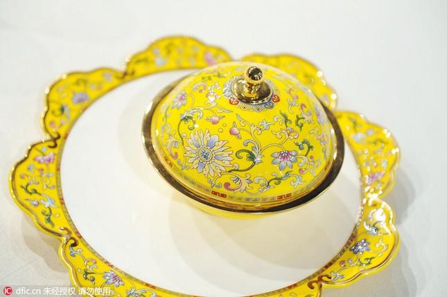 Chiêm ngưỡng bộ đồ ăn hoàng gia tinh tế dùng trong hội nghị APEC - ảnh 5