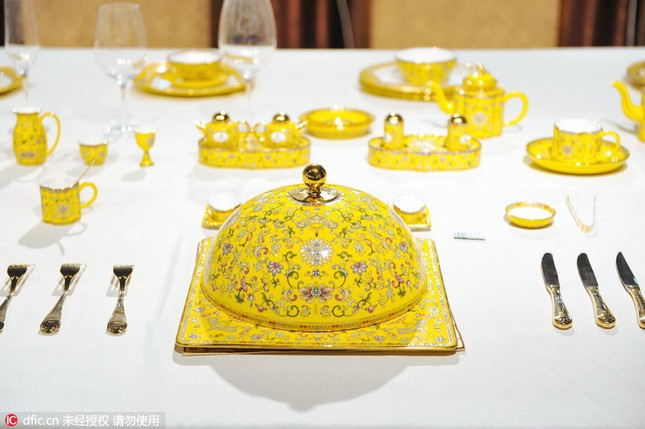 Chiêm ngưỡng bộ đồ ăn hoàng gia tinh tế dùng trong hội nghị APEC - ảnh 10