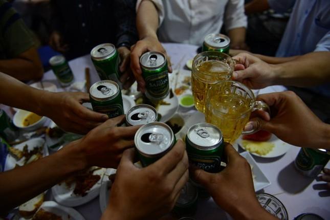 Cấm sinh viên hút thuốc, uống rượu, bia khi tới trường - ảnh 1