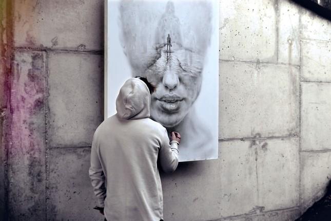 Khám phá bi kịch khác nhau qua các bức vẽ của nghệ sĩ Ba Lan - ảnh 1