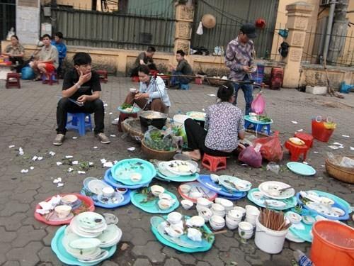 Ngẫm chuyện thói quen 'ăn bẩn' của người Việt - ảnh 1