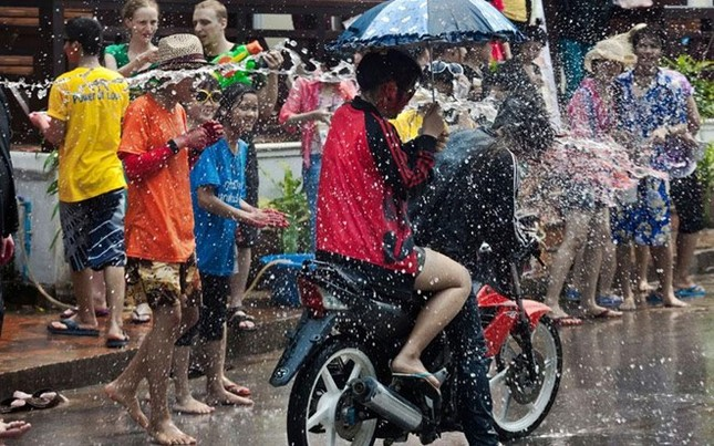 10 lưu ý khi dự Tết té nước Songkran - ảnh 2