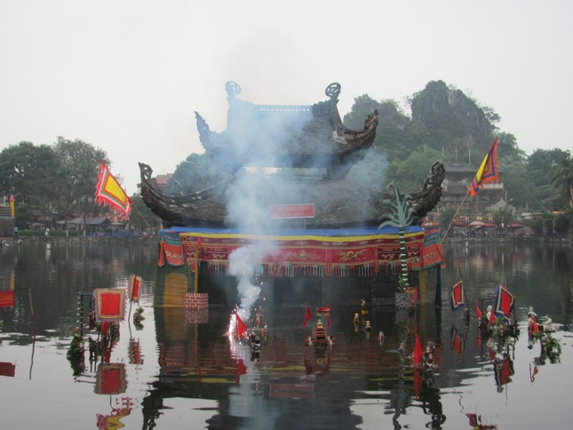 Kì bí ngôi chùa có hang chứa hài cốt lớn nhất Hà Nội - ảnh 9