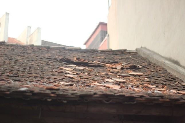 Dự án The Sun Garden làm rơi vật liệu, thủng mái nhà dân - ảnh 2