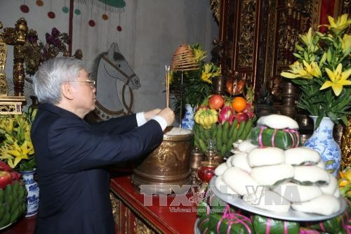 Tổng Bí thư Nguyễn Phú Trọng dâng hương tưởng niệm các Vua Hùng - ảnh 4