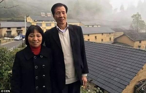 Đại gia U60 quyết bỏ lại tất cả để về quê cưới vợ nghèo khó - ảnh 1