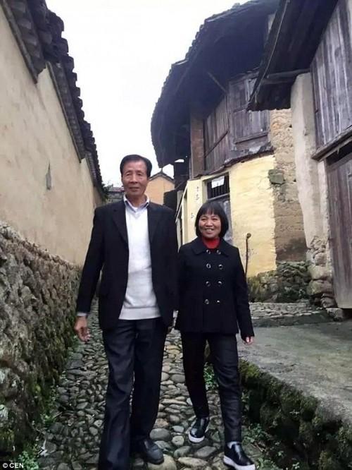 Đại gia U60 quyết bỏ lại tất cả để về quê cưới vợ nghèo khó - ảnh 2