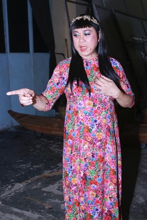 Phi Nhung thảng thốt gặp 'phiên bản lỗi' ở show Mạnh Quỳnh - ảnh 2