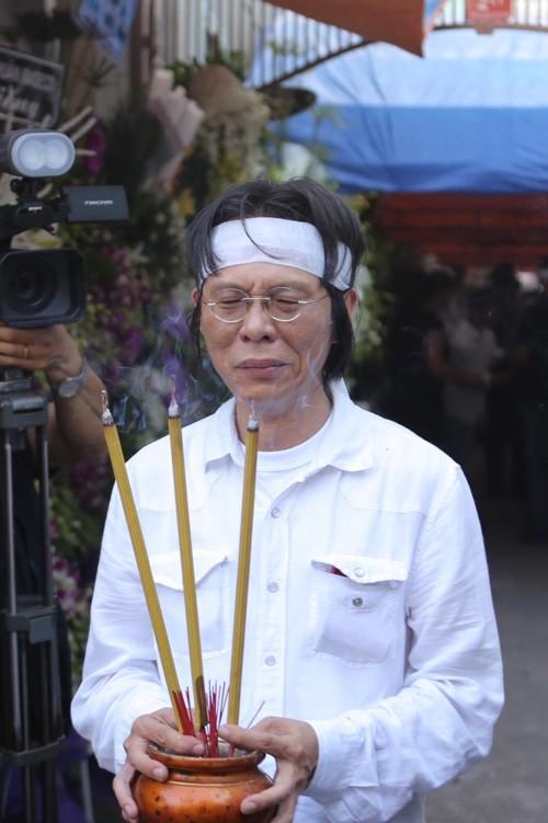 Nghẹn ngào tang lễ hỏa táng nhạc sĩ Nguyễn Ánh 9 - ảnh 8