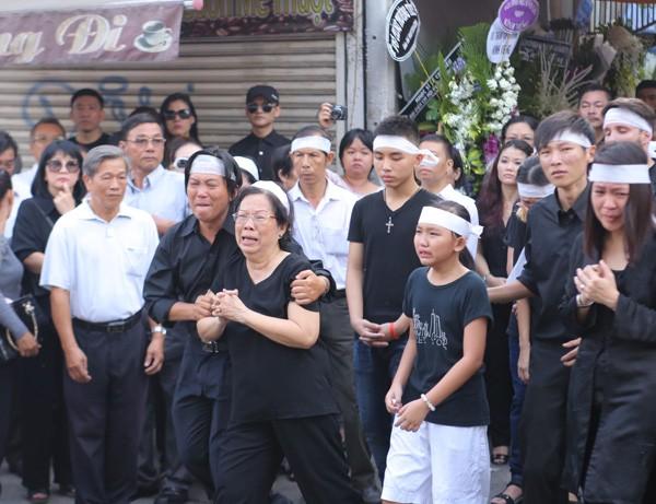 Nghẹn ngào tang lễ hỏa táng nhạc sĩ Nguyễn Ánh 9 - ảnh 7