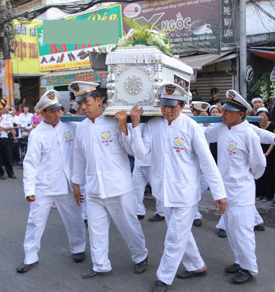 Nghẹn ngào tang lễ hỏa táng nhạc sĩ Nguyễn Ánh 9 - ảnh 6