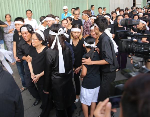 Nghẹn ngào tang lễ hỏa táng nhạc sĩ Nguyễn Ánh 9 - ảnh 5