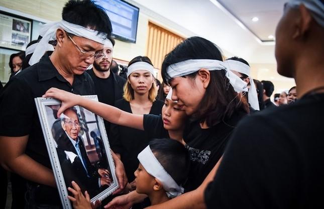 Nghẹn ngào tang lễ hỏa táng nhạc sĩ Nguyễn Ánh 9 - ảnh 14