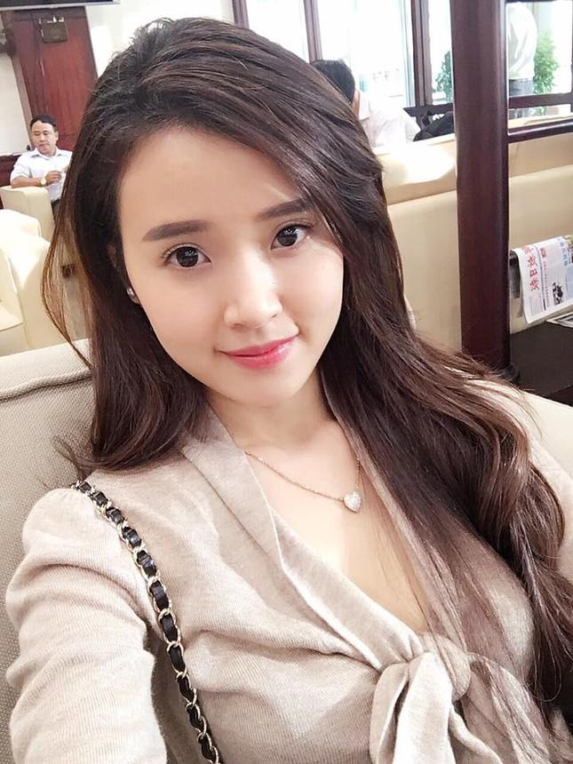 Phan Thành 'quẩy tưng bừng' thân thiết bên gái lạ trong đêm - ảnh 7