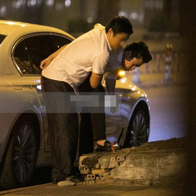 Phan Thành 'quẩy tưng bừng' thân thiết bên gái lạ trong đêm - ảnh 3