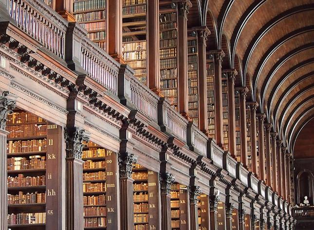 Chiêm ngưỡng thư viện cổ hơn 300 năm tuổi - ảnh 6