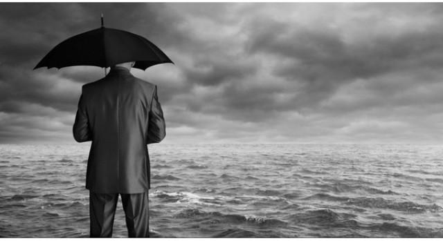 Năm nay hàng nghìn NV ngân hàng sẽ đối mặt nguy cơ bị mất việc - ảnh 1