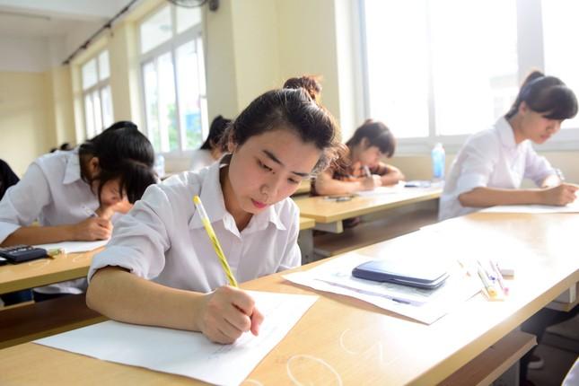Hôm nay học sinh Hà Nội thi thử THPT quốc gia - ảnh 1
