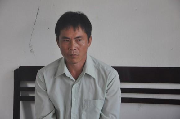 Gã chồng vũ phu tạt axit vào vợ con vì không được 'quan hệ' - ảnh 1