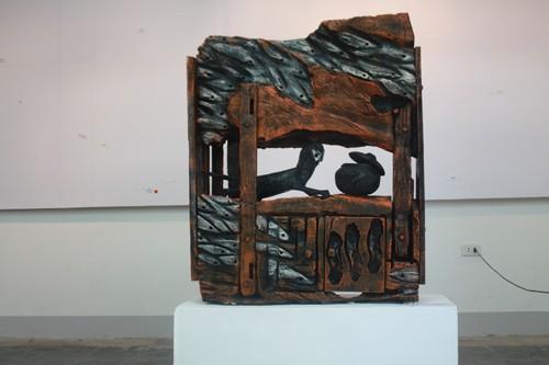 'Tái sinh' cây gạo 300 năm tuổi bằng nghệ thuật điêu khắc - ảnh 1