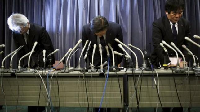 Mitsubishi cúi đầu nhận lỗi vì gian lận dữ liệu 600.000 xe hơi - ảnh 1