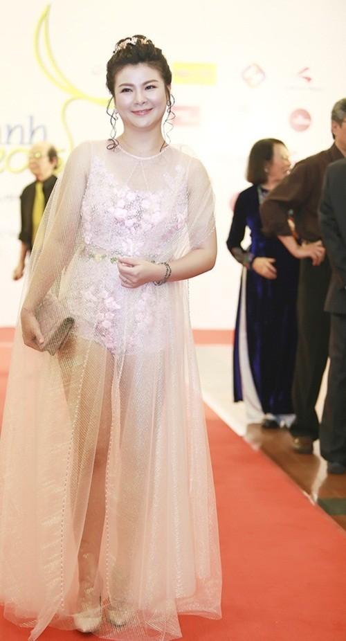 Kim Tuyến, Nhã Phương 'đổ bộ bữa tiệc thời trang' Cánh Diều Vàng - ảnh 3