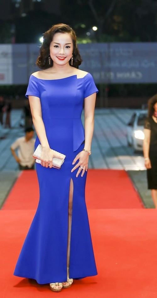 Kim Tuyến, Nhã Phương 'đổ bộ bữa tiệc thời trang' Cánh Diều Vàng - ảnh 2