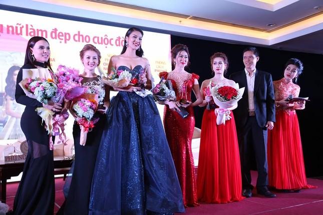 Lan Khuê 'đăng quang lần nữa' với danh hiệu Người phụ nữ của năm - ảnh 2