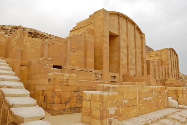 Bí ẩn kim tự tháp đầu tiên của người Ai Cập - ảnh 2