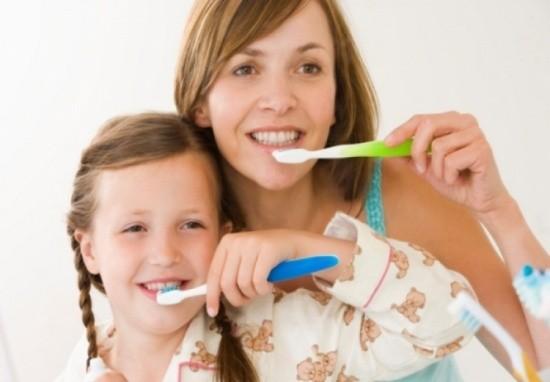 Sai lầm chết người khi đánh răng cần bỏ ngay tức khắc - ảnh 1