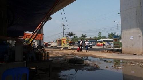 Khiếp vía suất cơm bình dân 200 nghìn ở Bến xe Yên Nghĩa - ảnh 3