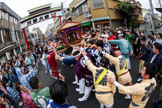 Hàng nghìn người tham dự 'Lễ hội dương vật thép' lớn nhất  ở Nhật - ảnh 2
