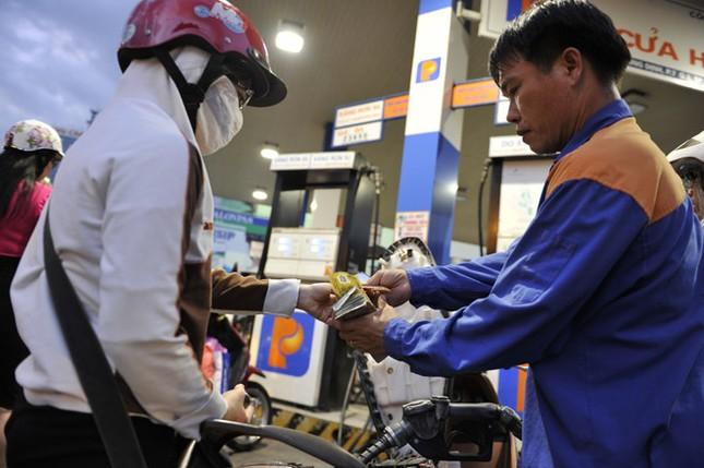 Giá xăng tăng hơn 500 đồng/lít từ 17h chiều hôm nay - ảnh 1