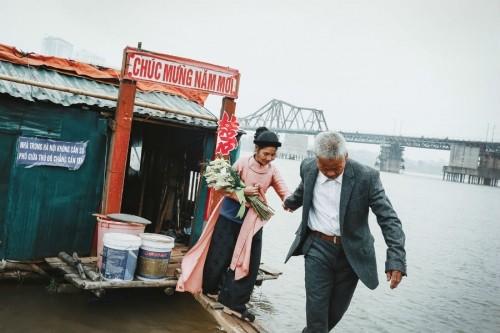 Nghẹn ngào với 'đám cưới cổ tích' của hai ông bà lão nhặt rác  - ảnh 6