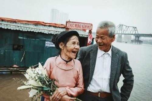 Nghẹn ngào với 'đám cưới cổ tích' của hai ông bà lão nhặt rác  - ảnh 7