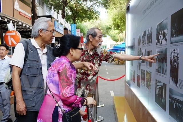 Góc nhìn người Việt Nam ở Pháp qua 100 bức ảnh - ảnh 1