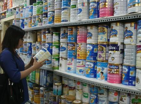 'Đánh tráo' sữa bột - sữa tươi: Người tiêu dùng 'hứng' đủ - ảnh 2