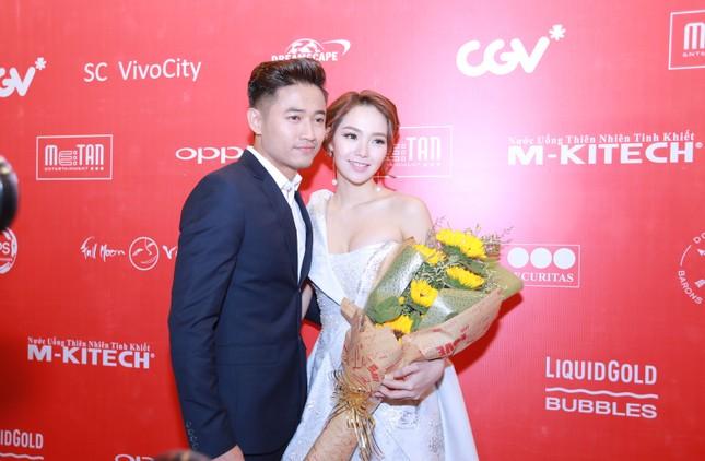 Ngộp thở với clip 'Bao giờ có yêu nhau' của Quý Bình - Minh Hằng - ảnh 6