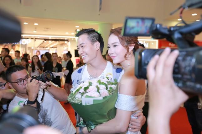Ngộp thở với clip 'Bao giờ có yêu nhau' của Quý Bình - Minh Hằng - ảnh 11