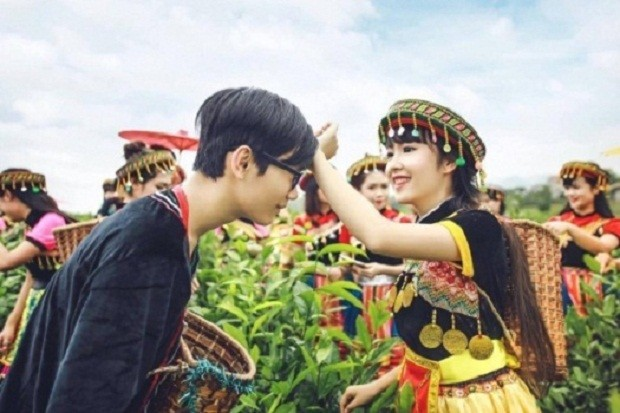 Bộ ảnh kỷ yếu 'độc nhất vịnh Bắc Bộ' của học sinh Ninh Bình - ảnh 1