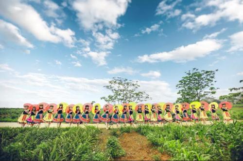 Bộ ảnh kỷ yếu 'độc nhất vịnh Bắc Bộ' của học sinh Ninh Bình - ảnh 2
