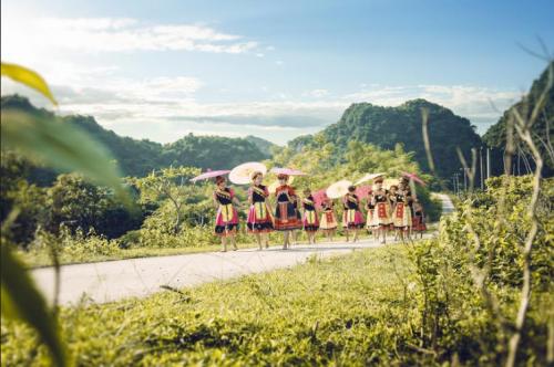 Bộ ảnh kỷ yếu 'độc nhất vịnh Bắc Bộ' của học sinh Ninh Bình - ảnh 3