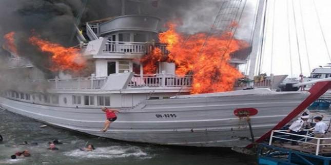 Bồi thường 18 triệu cho 3 du khách vụ cháy tàu du lịch Quảng Ninh - ảnh 1