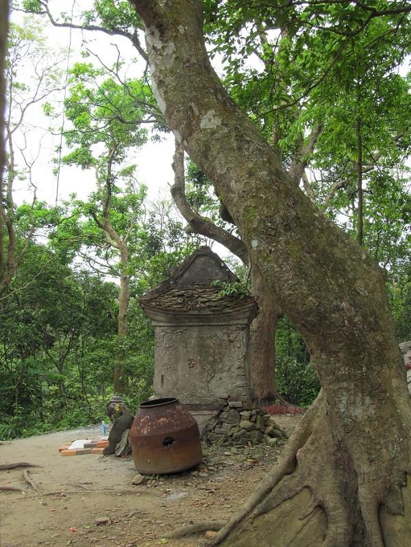 Bí ẩn tâm linh của Chùa Non trên đỉnh Thần Đinh - ảnh 4