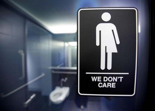 Lắp nhà vệ sinh cho học sinh chuyển giới 6 tuổi - ảnh 1