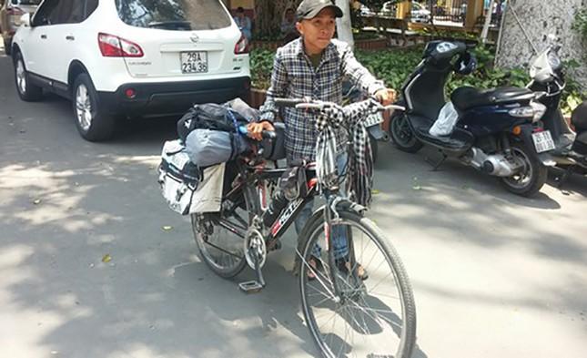Chàng trai nặng 37 kg đạp xe xuyên Việt để hiến tạng - ảnh 1