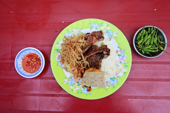 8 địa chỉ ăn uống lâu năm 'thử là ghiền' ở Sài Gòn - ảnh 3