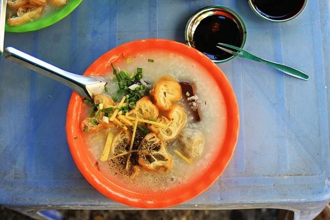 8 địa chỉ ăn uống lâu năm 'thử là ghiền' ở Sài Gòn - ảnh 4